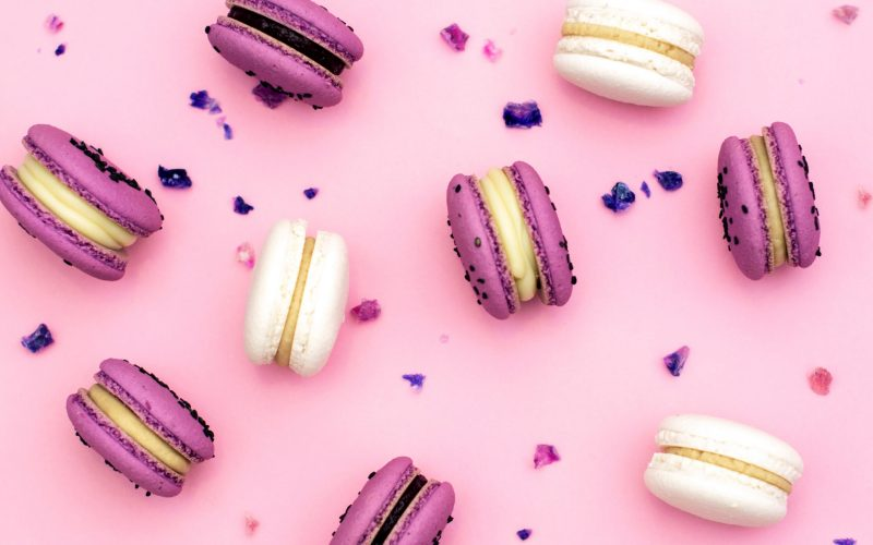 pastry-dessert-background-french-macaron-delicious-food-flavor-macaroon-cake-colorful-pink-sweet_t20_jRoLXv